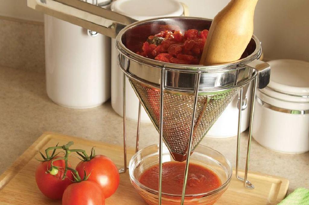 Chinoiser des tomates - Faire une purée de tomate